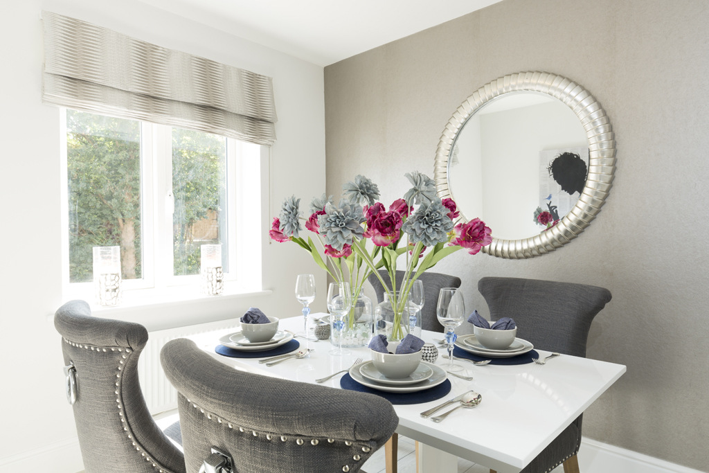 Quick Affordable And Effective Ways To Make A Small Living Room